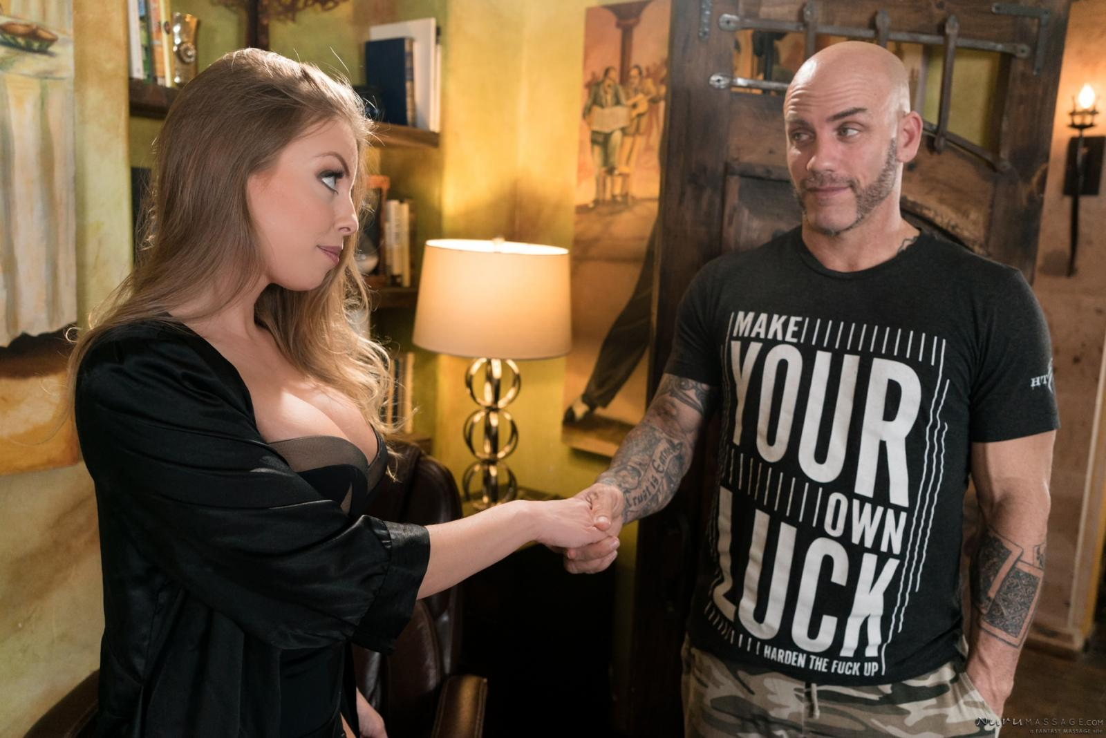 Britney Amber: The Critic - 2