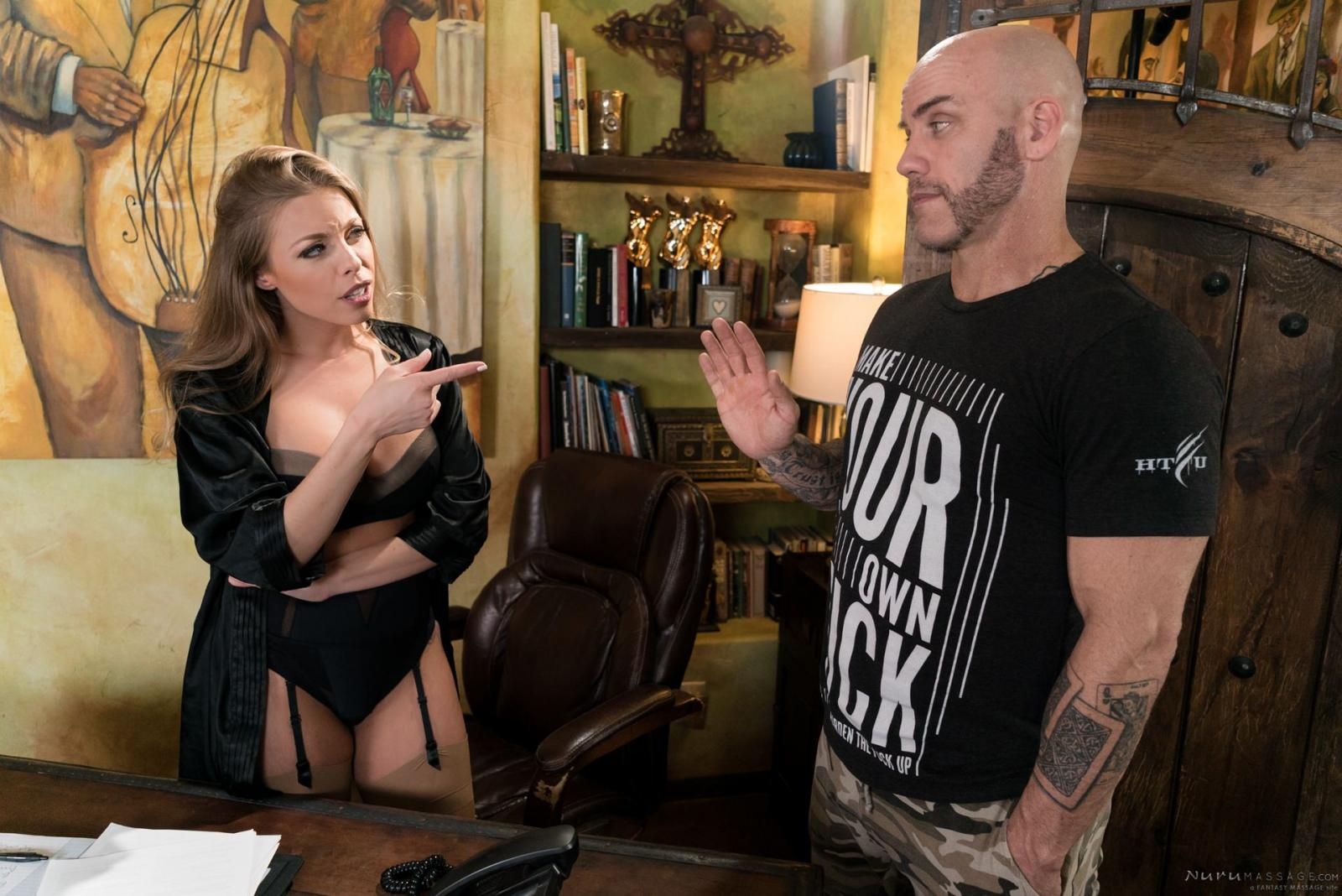 Britney Amber: The Critic - 4